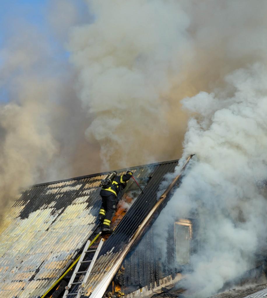 Brand på Morotsvägen i Sävast.