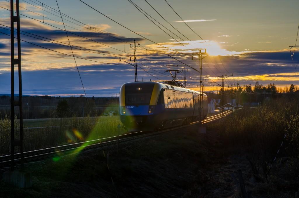 Järnvägsspår med tillhörande tåg i  Gamla Sävast.