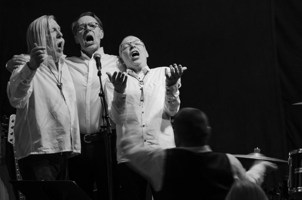 Konsert med Acne i Avans byagård. Helt underbart drag  och sjukt tajta musiker.