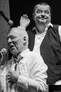 Acnes gitarrist Benty Öqvist och  trummisen Torbjörn Harr