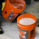 En lagom blandning av snö och is är viktigt likaså att det är samma snötyp till alla rör annars skiftar färgen, och är man estetiskt lagd är det viktigt!