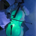 Mattias Sandlund på cello .