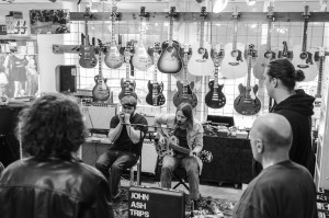 Luleå Musik i samarbete med Dunlop och David Morin. Här spelar  John Ash Trips.