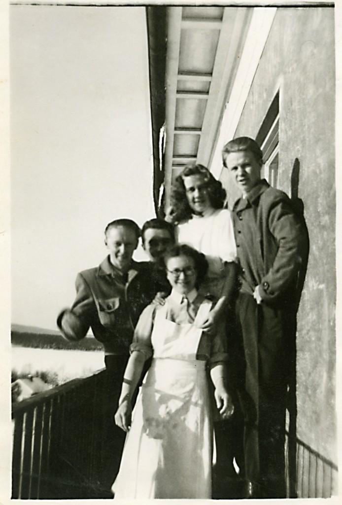 Frisk luft på en av balkongerna på Sandträsk sanatorium.