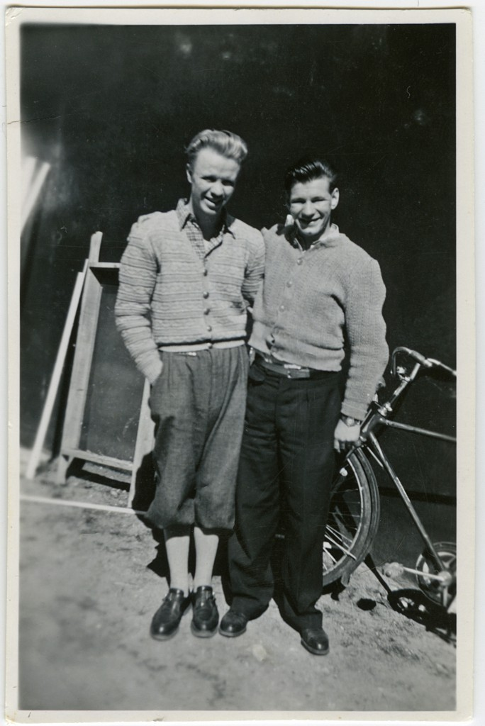Lennart Haarala till vänster och Nils Suike. Härliga kläder!