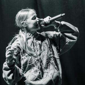 Silvana Imam på Kulturens hus i Luleå under P3 älskar.