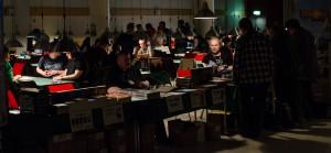 Hittade ett stooort mörkt rum med massa folk och datorer... klart mystisk känsla!