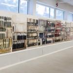 Sandgrund, Lars Lerin.  Den långa bokhyllan, helt fantastisk, så mycket detaljer!