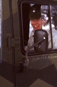 Glad bandvagnsförare!