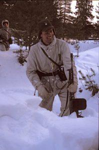 Vintern hade ju vissa fördelar, mjukt och lite roligt att ta skydd... tills man blev blöt.