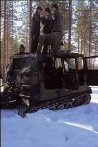Mycket snö var det så det var enklare att ta vägen via bandvagnen...