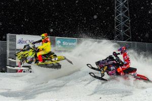 #1 Oskar Norum, Umeå AK Team Northbike och #52 Johan Lidman, Tväråns Intresseförening. Boden Arena Super-X 2017.