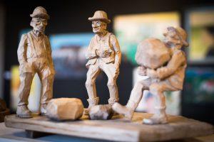 Tage Anderssons träskulpturer på Havremagasinet i Boden.