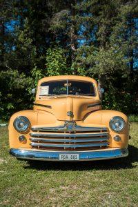 Almond Road Meet 2017. Härlig färg på denna Ford!