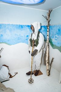 Siknäsfortet. Fullt utrustad soldat utrustad för vinterkrigsföring...