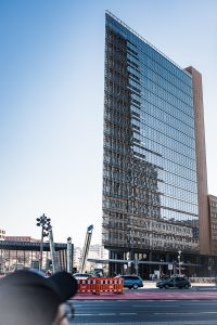 Överallt i Berlin är det häftiga och påkostade byggnader. Blandning mellan gammalt och nytt är helt underbar.