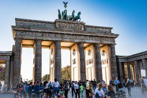 Brandenburger Tor, maffig ingång till staden.