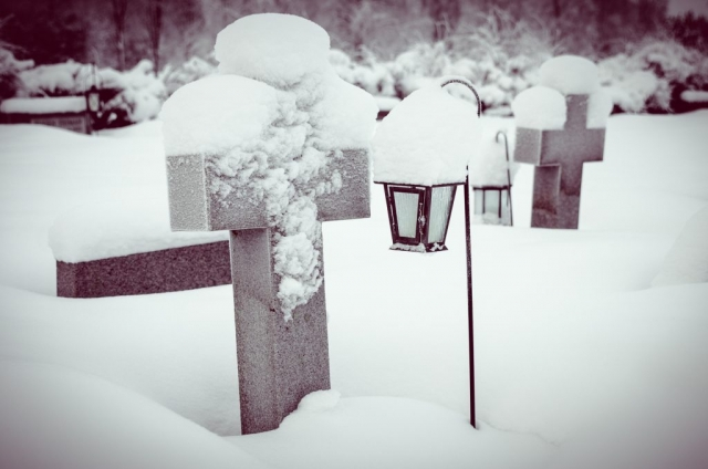 Kyrkogård i snö. Boden.
