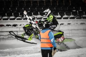 11 Elvira Lindh, Borlänge SSK, Team Arctic Cat Sweden går i mål. Skotercross. Boden Arena Super-X 2018.