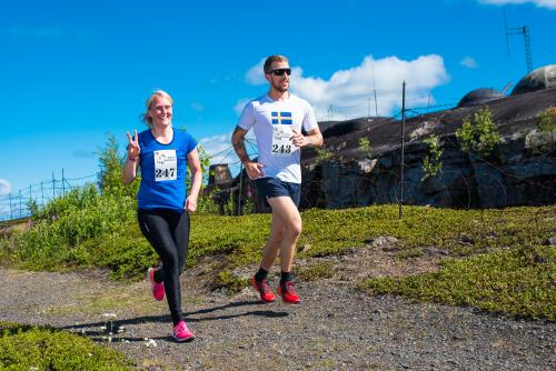 Löpare från Boden Fortress 2018. Här från toppen av Rödbergsfortet.