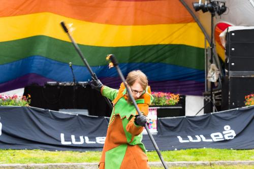 Mer eld, Phire underhåller. Luleå Pride 2018.