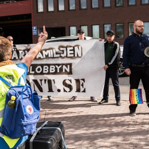 En av ytterst få bruna paradbilder. Luleå pride 2018.