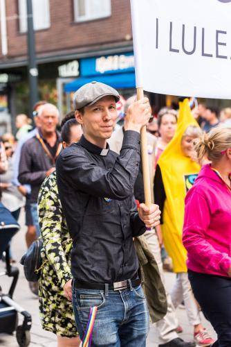 Färgglada paradbilder. Luleå pride 2018.