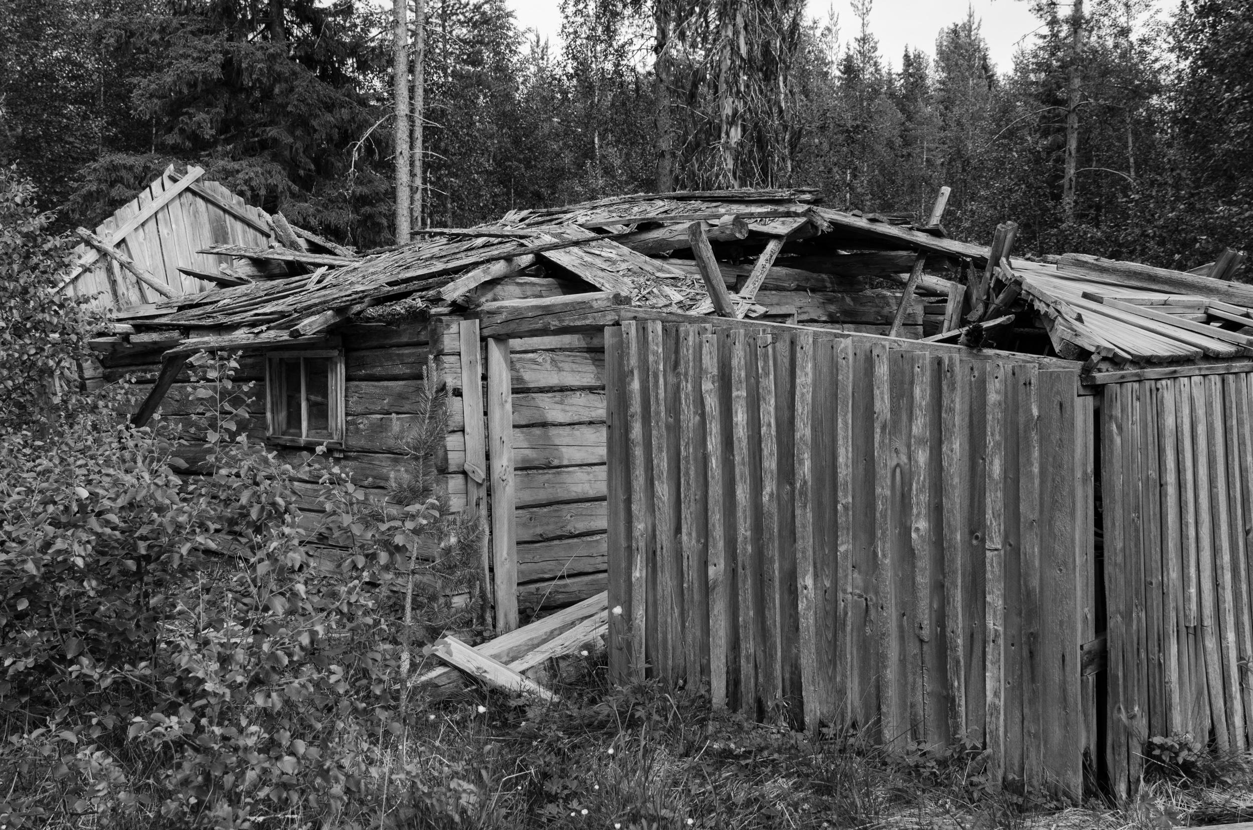 Ödehus i Övertorneå. Naturen tar tillbaks det, sakta men säkert!