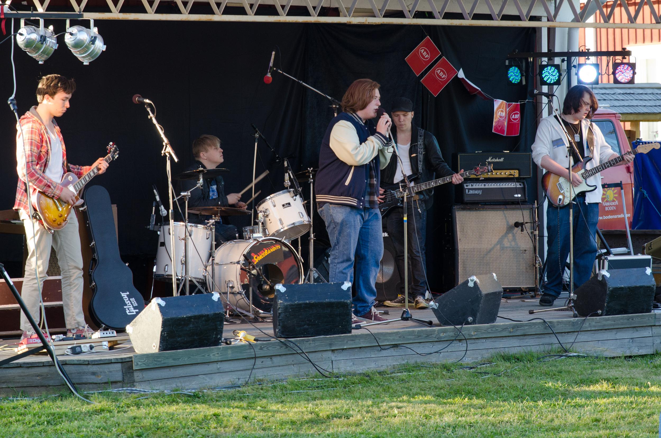 Tältet spelar på Kläppenfestivalen.