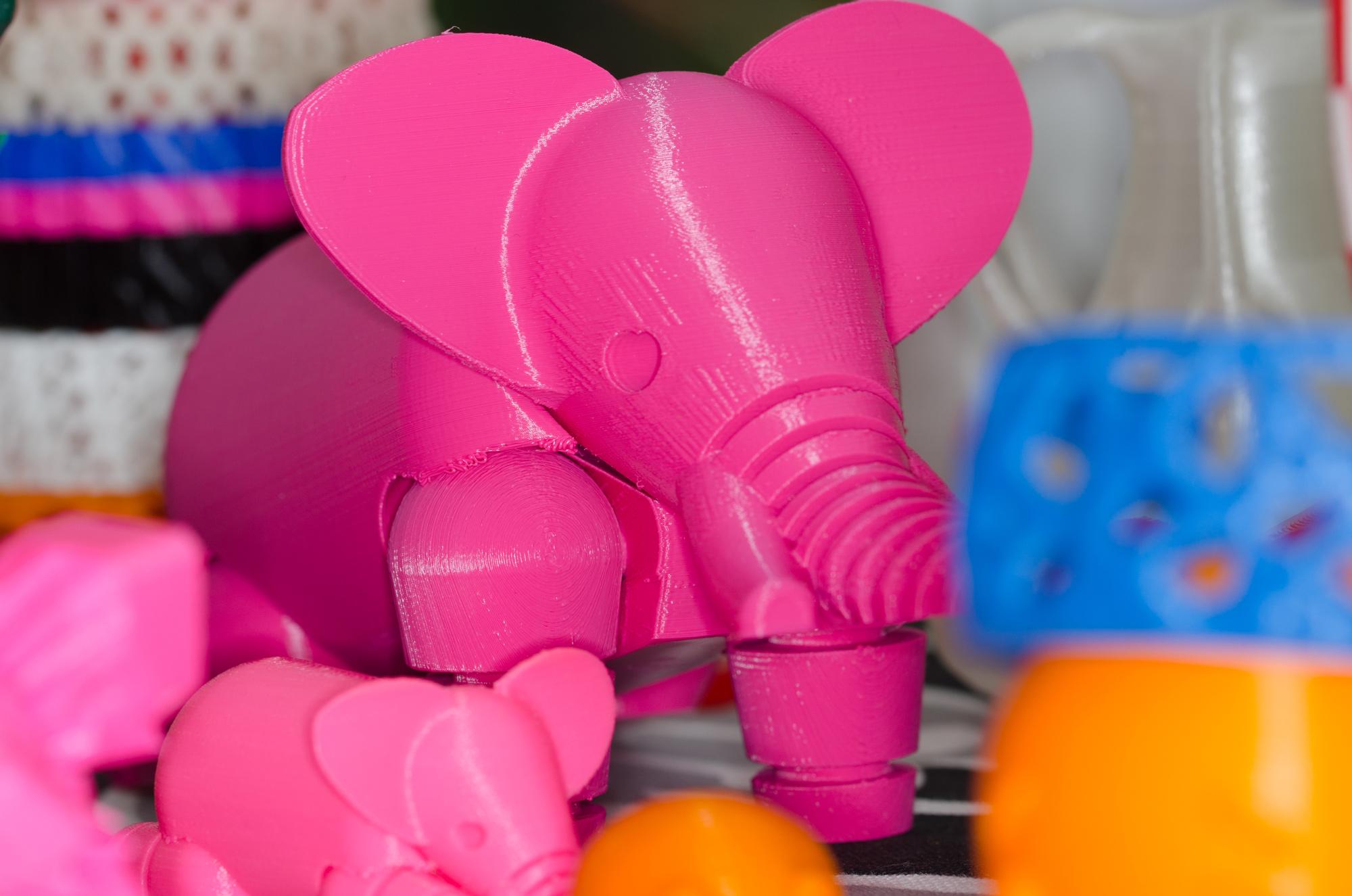 Detta är något man inte vill se när man vaknar, en rosa elefant. Självklart framtagen i 3d-skrivaren.