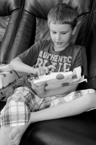 Simon 7 år. Presentöppning.