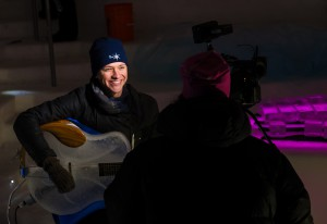 Andreas Eriksson spelar för TV4.