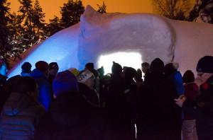 Publiken väntar ivrigt inför premiären på Ice Musik 2015.
