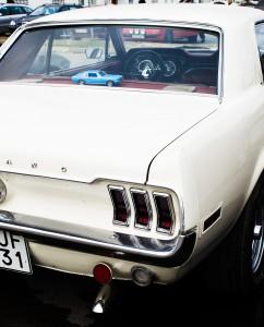 Fordon genom tiderna - Björknäshallen Boden. Mustang i Mustang...