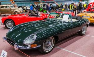 Fordon genom tiderna - Björknäshallen Boden. Jaguar E-type 1966 Cab. Flera gånger framröstad som världens snyggaste bilmodell. Jag håller med!