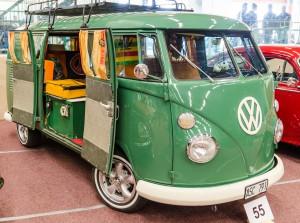 Fordon genom tiderna - Björknäshallen Boden. VW-buss, man får som lite hippiekänsla av dem, trots man inte var med.