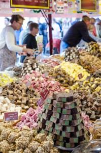 Internationella matmarknaden i Luleå. Godis, men nästan för mycket!