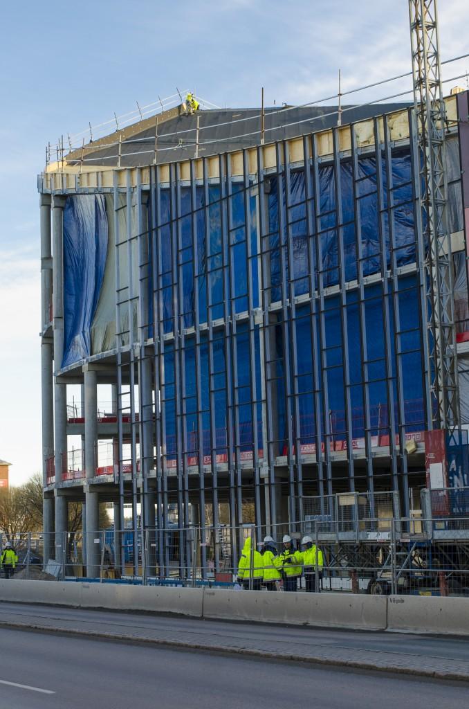Byggstök i Luleå. Det gäller att bygga rätt, missar man en våning blir det jobbigt i slutet...
