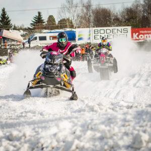 115 Jenny Lundström Skellefteå MS  E-son Maskin AB Lynx. Final i Skotercross i Boden 2016
