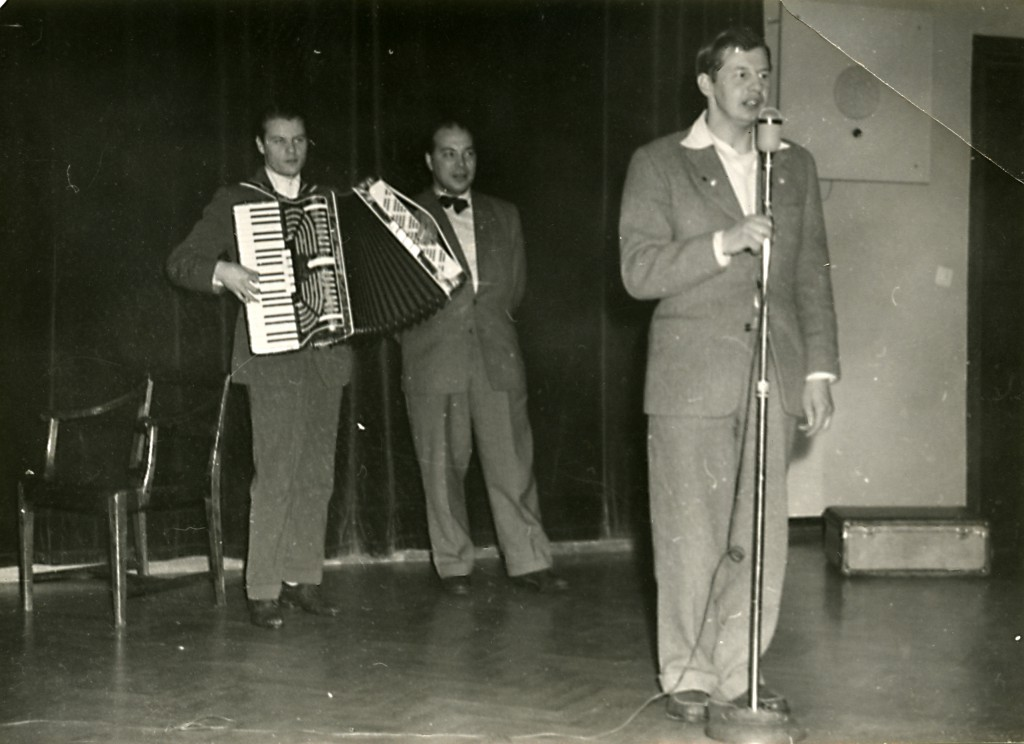 """Gösta """"Snoddas"""" Nordgren besökte Sandträsk Sanatorium 1950 eller 1951. Förmodligen väldigt populärt efter evergreenen """"Flottarkärlek""""."""