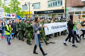 Luleå Pride 2016. Paraden på G. Som tur var slutade ösregnet i tid. Bra timing!
