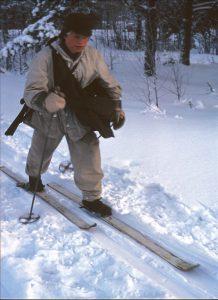 1:a plut Lycksele-86/-87 på skidmarsch.