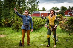 Medeltidsdagarna på Hägnan i Gammelstad. Gycklargruppen  Phire underhöll, ibland nog så läskigt enligt vissa.