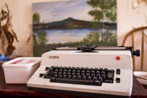 Morjärvs Ullspinneri. Här kanske någon satt och drömde sig bort vid sin Olympia skrivmaskin.