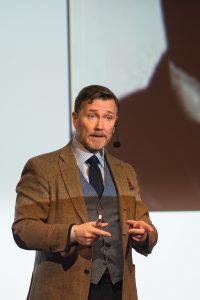 Thomas Erikson underhåller på Eyvind 2017.