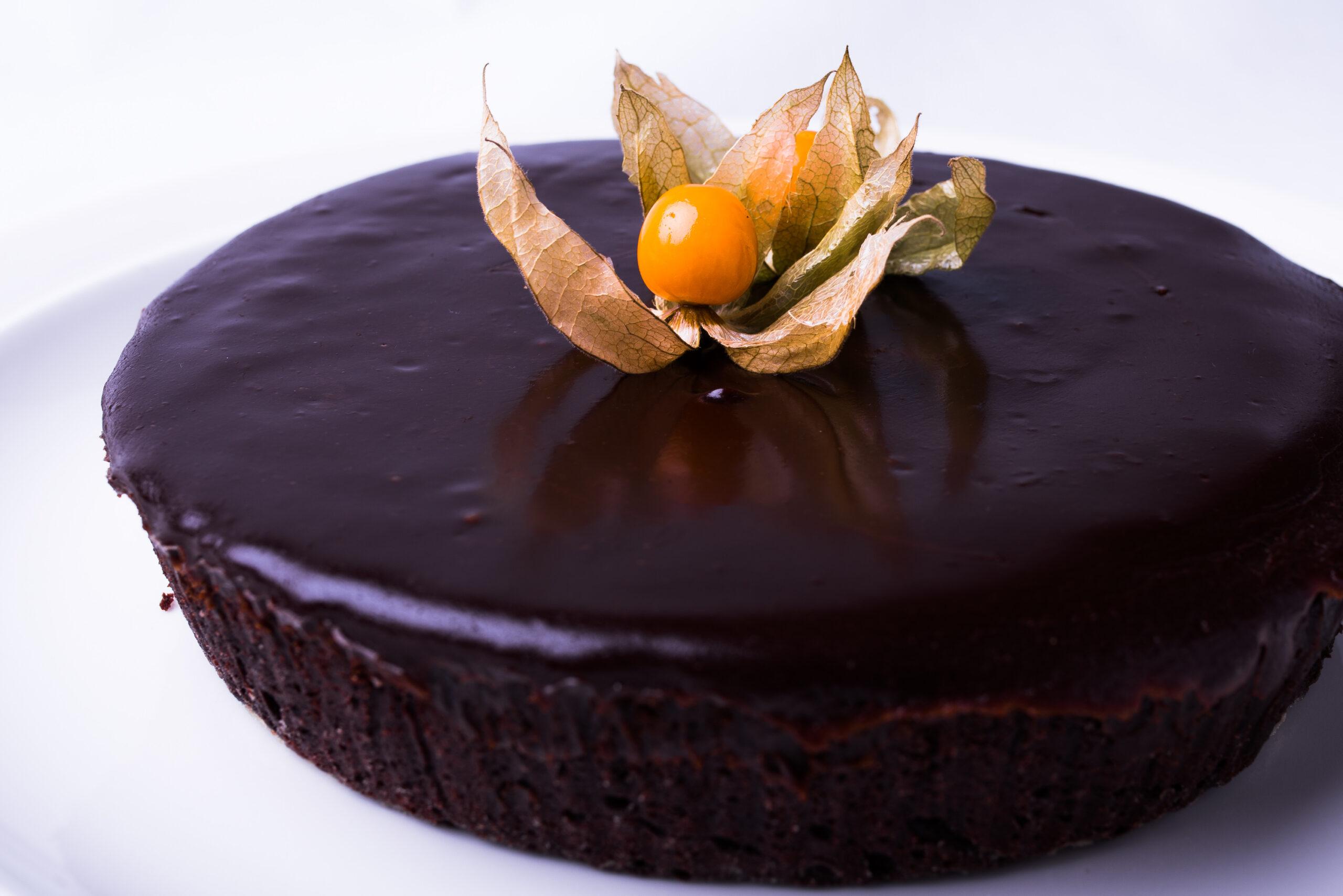 Chokladtårta. Den vågade jag inte ta en bit av, för snygg helt enkelt!