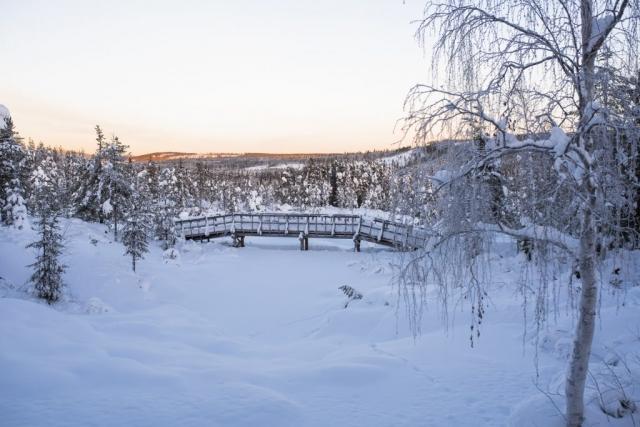 Soluppgång i Storforsen, klockan är mitt på dagen.