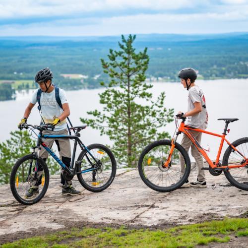 Vi hann upp cyklisterna till slut! Utflykt till Öngårdsberget.