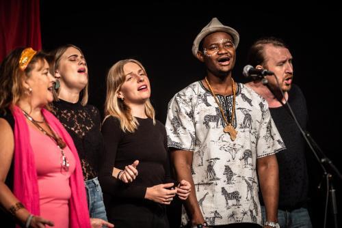 Singing people together på Saga i Boden.