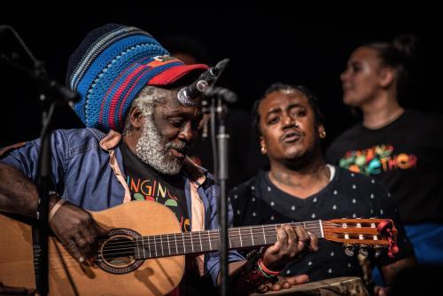 Sanba Zao och Woulele Marcelin. Singing people together på Saga i Boden.